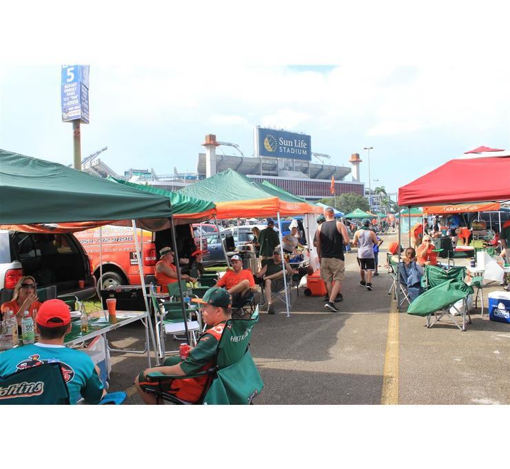 Big tailgating um 9.5 12 medium